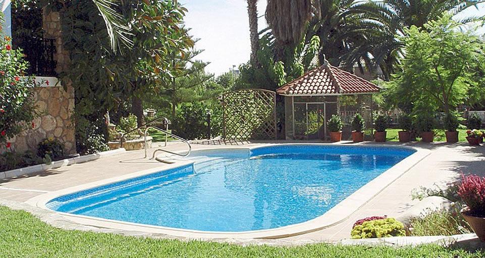 Cristian piscinas parques y jardines guia web de san for Parques con jardines